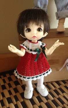 Neelie's Christmas dress.   Flickr - Photo Sharing!