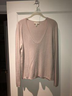 Max Mara 's Silk/cashmere V-neck Sweater. Free shipping and guaranteed authenticity on Max Mara 's Silk/cashmere V-neck Sweater55% Silk 45% Cashmere 'S Max Mara Deep V-neck swea...