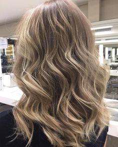 """209 curtidas, 6 comentários - Rodrigo Ferreira (@frodrigo) no Instagram: """"Flashs pérola ⚡️ #byme #byrodrigoferreira #flashs #highlights #reflexo #blonde #blondehair…"""""""