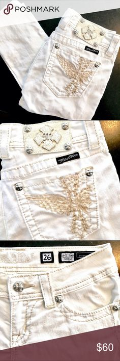 Miss Me Skinny Jeans Awesome skinny, white Miss Me jeans. Great condition! No flaws or stains. Miss Me Jeans Skinny