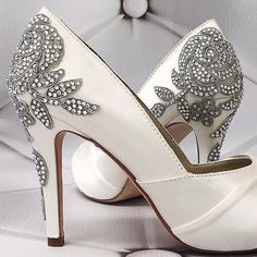 a35ca9cfa05 75 Best Bling Wedding Shoes images in 2019