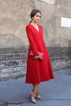 Miroslava Duma in red coat dress Street Style Chic, Looks Street Style, Looks Style, Look Fashion, Womens Fashion, Fashion Trends, Fashion Coat, Red Fashion, Fashion Outfits