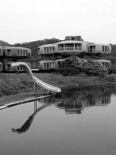 UFO House, Sanjhih, Taiwan (2363801017).jpg