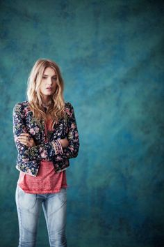 Lily Donaldson Poses for Free People's December Catalogue | Fashion Gone Rogue: The Latest in Editorials and Campaigns