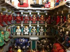 Il créé le laboratoire d'Iron Man en Lego !