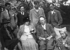 Angus Davidson, Duncan Grant, Julian Bell and Leonard Woolf. Virginia Woolf, Margaret Duckworth, and Clive and Vanessa Bell.