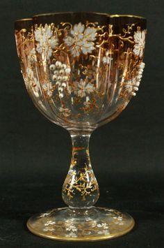 Sklenička na víno * sklo zdobené zlatem * Moser.