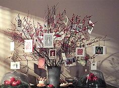Creative, Clutter-Free Ideas For Displaying Christmas Cards Christmas Card Display, Christmas Photo Cards, Christmas Love, Christmas Card Holders, Christmas Photos, All Things Christmas, Christmas Holidays, Christmas Crafts, Christmas Decorations