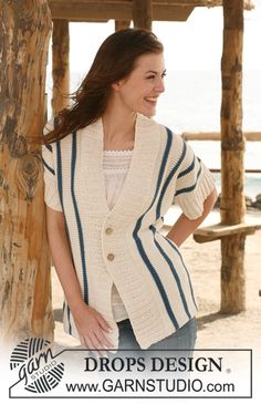 """DROPS vest met korte mouwen en strepen zijdelings gebreid van mouwrand tot mouwrand van """"Paris"""". Maat S - XXXL ~ DROPS Design"""