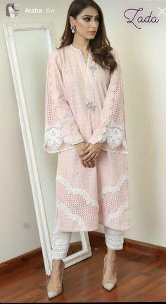 Beautiful Pakistani Dresses, Pakistani Dresses Casual, Pakistani Dress Design, Casual Dresses, Designer Party Wear Dresses, Kurti Designs Party Wear, Indian Designer Outfits, Pakistani Designer Clothes, Fancy Dress Design