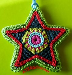 Wonderful set of bold colours in this crochet pattern colorful star by ATERGcrochet. €2,75, via Etsy.