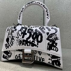 Black Unicorn, Balenciaga Bag, Luxury Purses, Birkin, Handbag Accessories, Fashion Bags, Purses And Bags, Jewels, Image