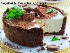 No bake Bar One Cheesecake Serves 6 Preparation: 20 min Chilling: 3 hours CRUST 300 g chocolate digestive biscuits 150 g. Cheesecake Bars, Cheesecake Recipes, Dessert Recipes, Chocolate Cheesecake, Tart Recipes, Sweet Recipes, Yummy Recipes, Kos, Cupcakes