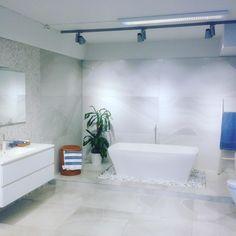 Utstilling fra norfloor furuset. Serien heter alabastri og kommer fra rex og er en marmor imitasjon #norfloor #rex #fliser #tiles #design #oppussing #interiør #inspiration