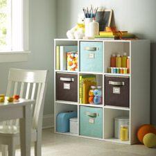 Ideadl para el cuarto de los niños. A ver si pueden mantener todo en orden! ;)