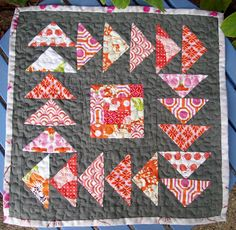 Moose on the Porch Quilts: It'a A Mini Quilt Along-- Flying Around in Circles