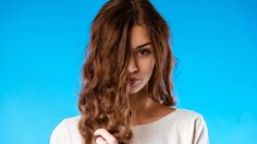 Portrait Of A Beautiful Young Girl With Long Curly Hair. Long Curly Hair, Curly Hair Styles, Free Photos, Photo Editing, Photoshop, V Neck, Portrait, Health, Beautiful