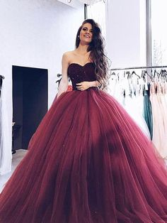 Sweetheart Beaded Top Tulle Long Prom Ball Gown Dresses - The best fashion types in the world fashionlife Evening Dress Long, Ball Gowns Evening, Ball Gowns Prom, Ball Gown Dresses, Formal Evening Dresses, Xv Dresses, Long Dresses, Elegant Dresses, Maroon Dresses Formal
