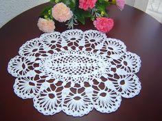 DIY - Centrinho oval com flores de crochê - YouTube