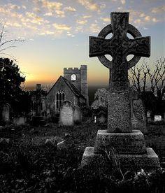   t h e • k i n g ' s • e n g l a n d   Headcorn Church, Kent, England