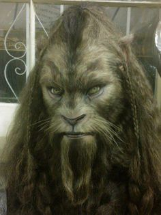 THIS is what LARP bestial chars should look like. - Beauty and the beast. Creature Feature, Creature Design, Magical Creatures, Fantasy Creatures, Larp, Monster Makeup, Movie Makeup, Special Effects Makeup, Creature Concept