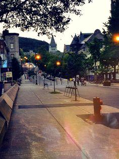 Sidewalk, Street View, Pretty, Pavement, Curb Appeal