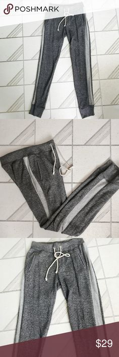 Victoria's Secret joggers pants cotton blend sz XS Victoria's Secret joggers pants cotton blend sz XS. Grey. Used, but in very good condition. Relaxed fit. Victoria's Secret Pants Track Pants & Joggers