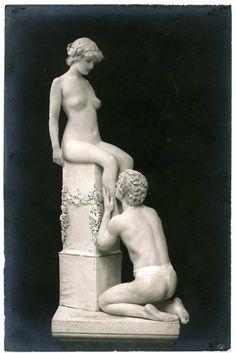 Lebende Marmor Bildwerke' by Olga Desmond (Allenstein, Ostpr. 1891 - 1964 Berlin)