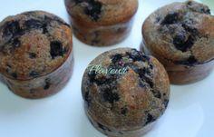 BRIOSE CU BANANA SI AFINE Biscuit, Muffin, Breakfast, Desserts, Kitchenaid, Food, Morning Coffee, Tailgate Desserts, Deserts