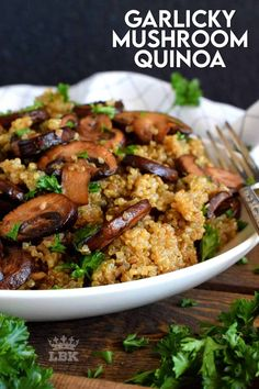 Garlicky Mushroom Quinoa is simple. It's meaty cremini mushrooms which have been pan-fried in lots of garlic and butter. It's then combined with cooked quinoa for a very healthy side or main! #garlic #quinoa #vegetarian #mushrooms #healthysides #sidedishes Healthy Sides, Healthy Side Dishes, Veggie Dishes, Veggie Recipes, Healthy Recipes, Free Recipes, Keto Recipes, Healthy Food, Lord Byron