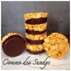 Encore un défi lancé par Magali lors des soirées pâtisse du jeudi !!! Eh bien défi relevé et qu'est ce que 'était bon !!! Et en plus c'est tout facile, que demander de mieux... INGREDIENTS - 100g de céréales de type Corn Flakes - 100g de chocolat noir...