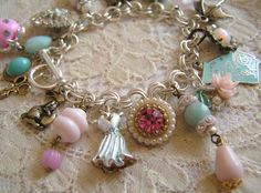 Please add me to this woman's friend list so she will make one of these for me!  Where on earth do you find such amazing trinkets to add to a charm bracelet... such flair she has...