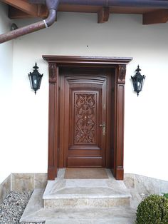 Drzwi zewnętrzne retro DZ-24 - Drzwi drewniane wewnętrzne i zewnętrzne - Gierszewski Home Door Design, Door Gate Design, Door Design Interior, House Front Design, Wooden Front Door Design, Wooden Main Door Design, Single Main Door Designs, Bedroom False Ceiling Design, Kerala House Design
