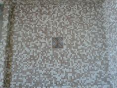 Piatto doccia con mosaico trendy doccia filo pavimento piatto