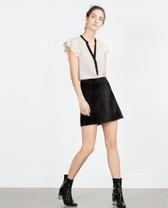 Image 1 of BLOUSE WITH FRILLED SLEEVE from Zara