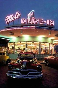 Foto-Kunstdruck Univeral Studio, Orlando, Oldtimer von Prisma Online) auf Glossy normal - My list of the best classic cars Drive In, Diner Aesthetic, Aesthetic Vintage, 1970s Aesthetic, Night Aesthetic, Orlando, Vintage Diner, Vintage Cars, 50s Diner