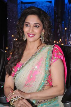 Madhuri Dixit in Green Transparent Saree with Mirror Work Border at 'Jhalak Dikhhla Jaa - Chinki Pinki Bollywood Actress Hot Photos, Indian Bollywood Actress, Beautiful Bollywood Actress, Most Beautiful Indian Actress, Bollywood Fashion, Indian Actresses, Hindi Actress, Bollywood Stars, Beauty Full Girl