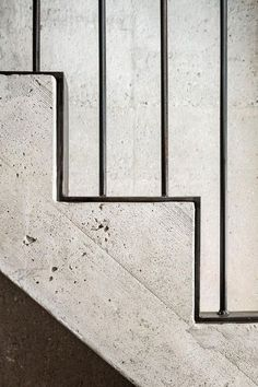 Concrete and steel stair detail in Major House in Münster, Germany by Roman Hutter Architektur. Concrete Staircase, Staircase Handrail, Interior Staircase, Staircases, Banisters, Handrail Ideas, Metal Stair Railing, Interior Stairs Design, Outdoor Railings