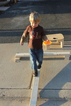 Momma's Fun World: DYI balance beam. Have been meaning to do this with the kids.