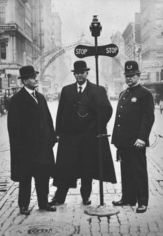Portland, Oregon's first traffic signal