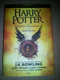 """""""Harry Potter e a Criança Amaldiçoada - Parte 1 e 2"""" • Autor: John Tiffany, Jack Thorne e J.K Rowling • Lançamento: 31 de Outubro de 2016 • Editora: Rocco • Presente de: mãe"""