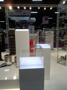 Elevations Inc. taps Lucite Lux® for clean, inviting displays.