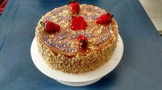 Torta vainilla con arequipe y maní que delicia
