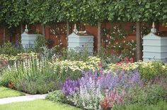 Happy little Bee's at The Fortnum & Mason Garden (Chelsea Flower Show) - how gorgeous