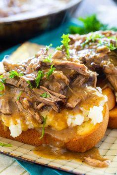 Hot Roast Beef Sandwiches, Delicious Sandwiches, Pot Roast Recipes, Cooking Recipes, Skillet Recipes, Cooking Gadgets, Roast Beef Gravy, Leftover Pot Roast, Potato Sandwich