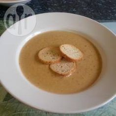 Recipe photo: Easy creamy roasted garlic soup