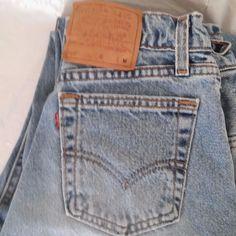 Levi's 560 Loose Fit Straight Leg Size 7 Med Blue Jeans 27x31 USA Cotton Denim  #Levis #StraightLegLooseFit560