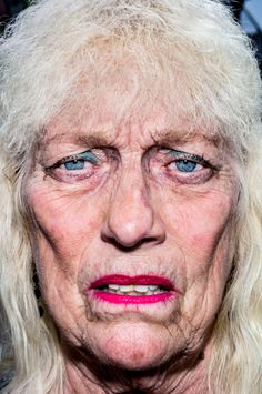 bruce gilden - Google Search Facial Anatomy, Human Anatomy, Color Photography, Film Photography, Real People, Pretty People, Types Of Portrait, Awkward Photos, Face Wrinkles