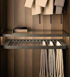 Fittings Tech - Pull-Out Tray With Trousers & Skirt Hangers
