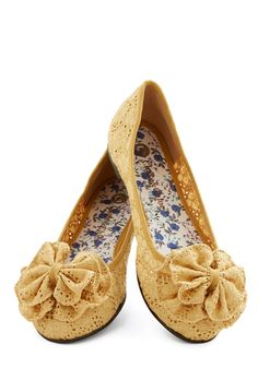 Charming Melody Flat in Honey | Mod Retro Vintage Flats | ModCloth.com